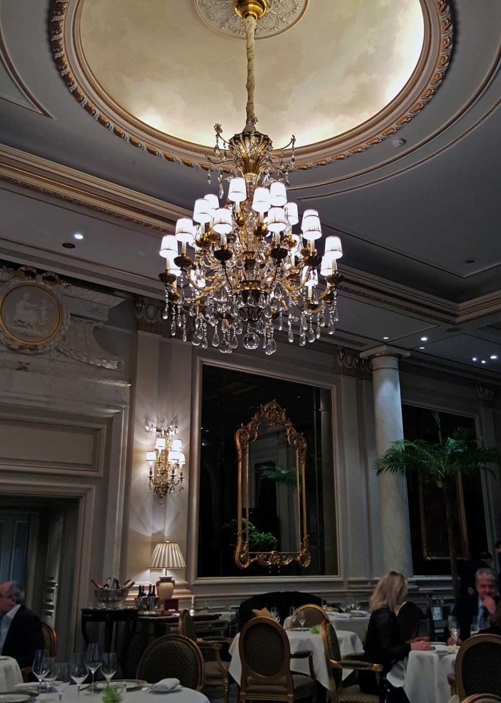 Le Cinq , George V , Paris