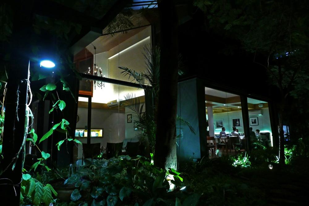 restaurant suhring , bangkok , thailand